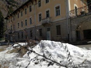 stabile che nel 2019 diventerà l'Hotel Villa Carona